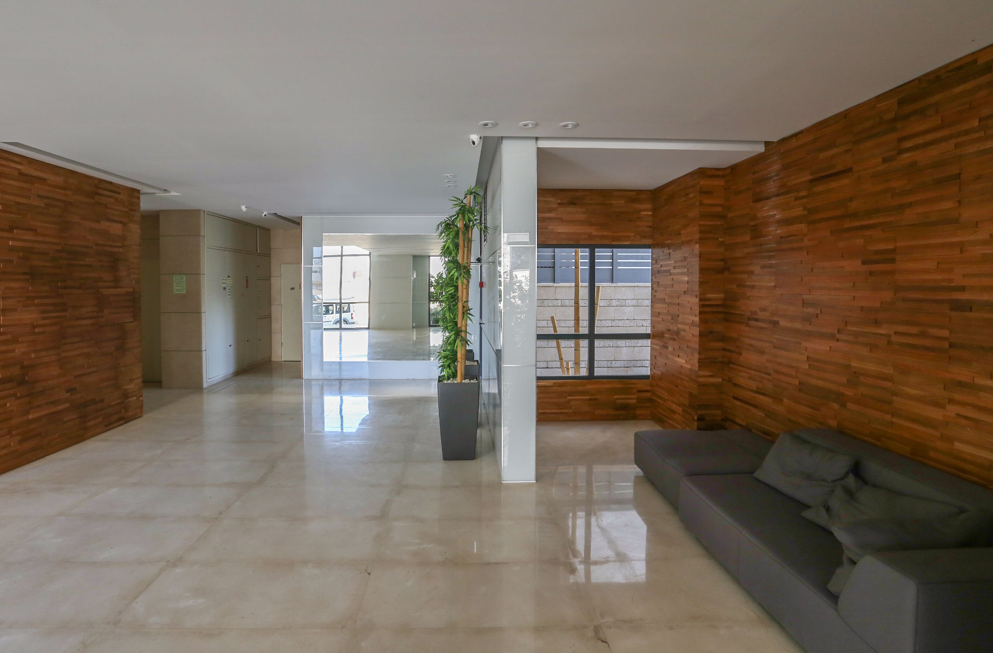 y7 דירות חדשות לאכלוס מיידי עם לובי מפואר